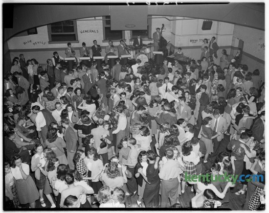 Part of crowd of 600 present for opening of Teen Tavern Canteen in the YWCA youth center. Published in the Herald-Leader October 6, 1946.