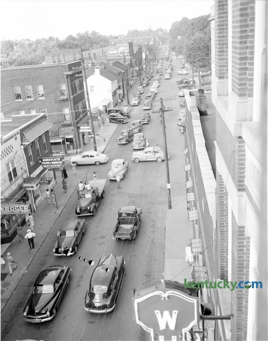An afternoon traffic jam on North Limestone street between Short and Second Streets. Published in the Lexington Herald August 16, 1951. Not the Kroger store in the lower left corner.