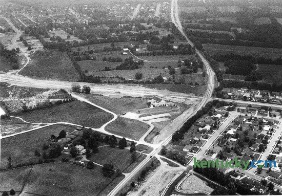 Intersection of Harrodsburg and Man O'War raods in Lexington, Aug. 1, 1987. In this view, Harrodsburg Road runs south and north to Lexington, while Man O'War runs east to west. Note that part of Man O'War was still under construction. Photo by Tim Sharp | staff