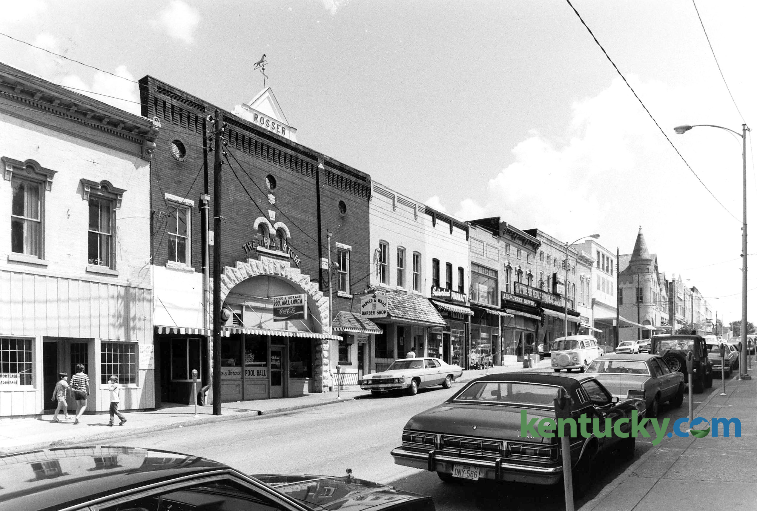 Downtown Harrodsburg, 1982 | Kentucky Photo Archive
