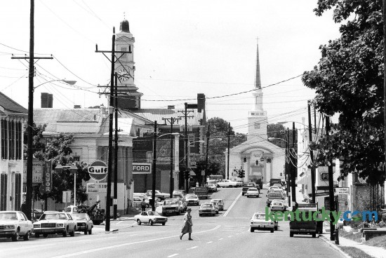 Downtown Versailles, looking down Lexington Street towards the intersection of Main Street, Aug. 25, 1982. Photo by John C. Wyatt | staff