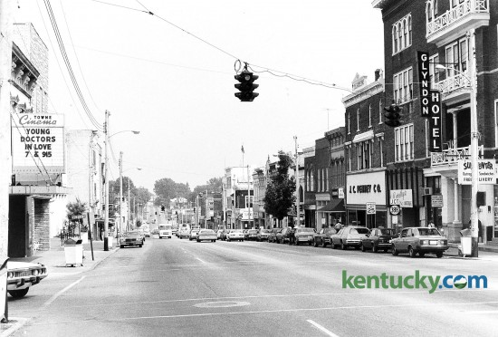 Downtown Richmond, looking east down Main Street, July 26, 1982. The movie theater on the left side was torn down and is now the site of city hall. Photo by John C. Wyatt | staff