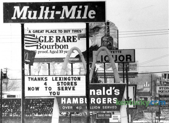 Billboards and signs on Nicholasville Road, just inside New Circle Road near Moore Drive in Lexington, Feb. 25, 1983. Photo by David Cooper | staff