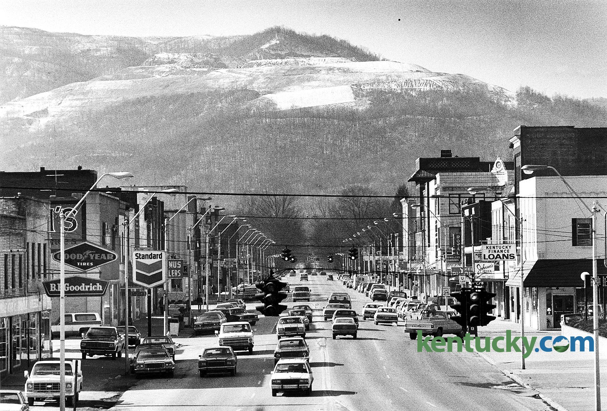 Downtown Middlesboro, 1983 | Kentucky Photo Archive