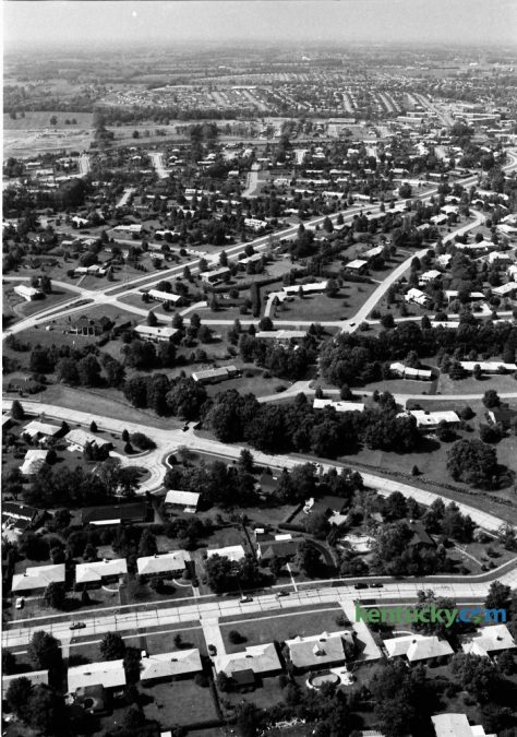 Aerial view of the Lansdowne residential area in late August 1973. The road running left to right at the bottom of the photo is Hildeen Drive. Zandale Drive is just above Hildeen running diagonally left to right. The divided Lansdowne Drive can be seen near the middle of the photo running toward the top right. This photo was used in the September 9 Herald-Leader as the cover photo for the Home Fashion Section. Photo by John C. Wyatt | Staff
